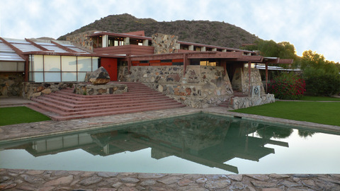 Taliesin_west_morning_light_terra_2
